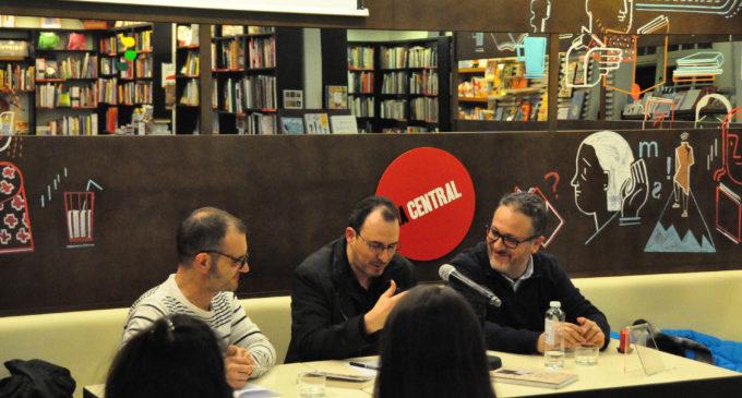 El Magnànim presenta 'Poesia i identitat', de Jordi Julià, a la llibreria La Central de Barcelona
