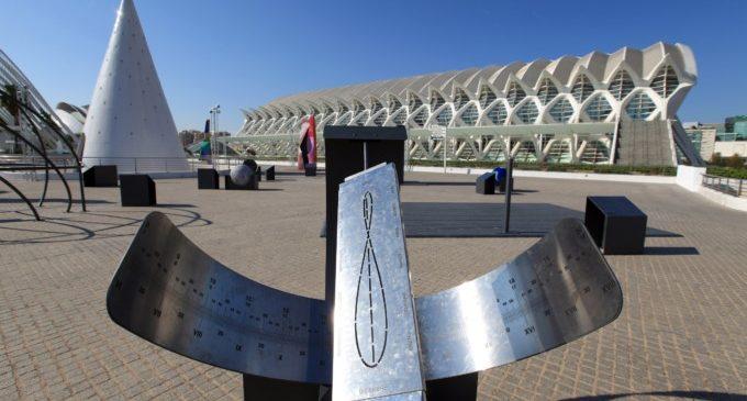 El Museu de les Ciències organitza aquest cap de setmana tallers DIY 'Rellotge Solar' de 'Passaport a l'Espai'