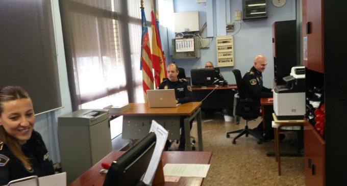 Policía Nacional y Local de Paterna refuerzan el servicio de documentación y de justificantes para los afectados por el incendio