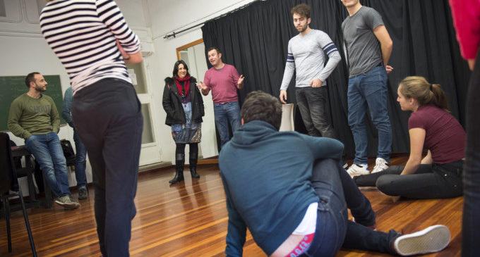 Els col·lectius vulnerables tenen en el teatre una eina d'inclusió social