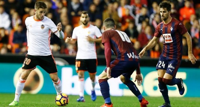 Un 0-4 en Mestalla torna a posar al Valencia CF en alta tensió