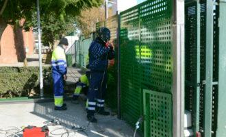Noves proteccions per a les portes d'accés a les escoles de Paiporta