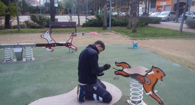Burjassot comença la revisió, reparació i millora dels jocs infantils
