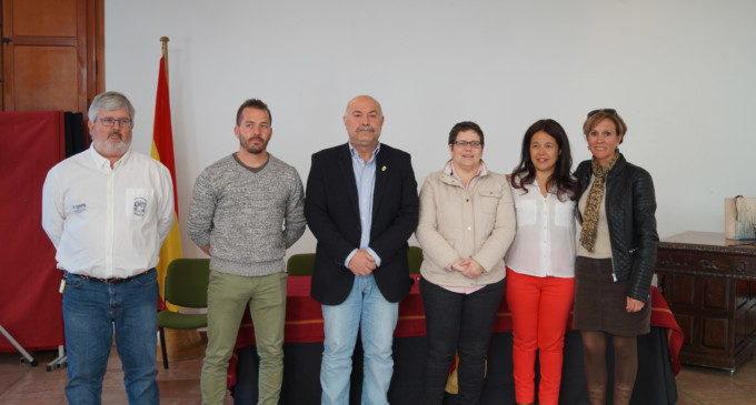 La Diputación colabora en el primer encuentro nacional de frontenis femenino que se celebra en Nàquera