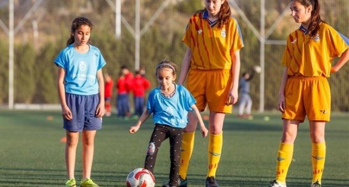 Mislata aprofita el Dia de la Dona per a promocionar el futbol femení