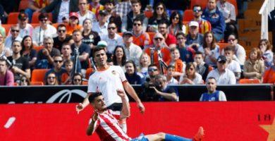 El Valencia sufrió la insolencia del Sporting y empató en Mestalla