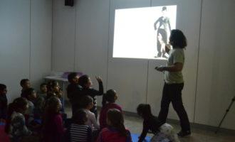 Més de cinc-cents escolars participen en els tallers didàctics de l'Institut Valencià de Cultura en la MICE