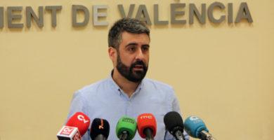 L'Ajuntament escoltarà a agents fallers, veïnals i comerciants per al ban de Falles 2018