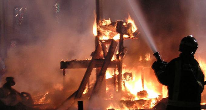 Ribó reitera el compromís de l'Ajuntament amb els bombers