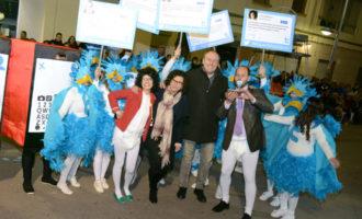La Cavalcada del Ninot ompli de sàtira i crítica els carrers de Paiporta