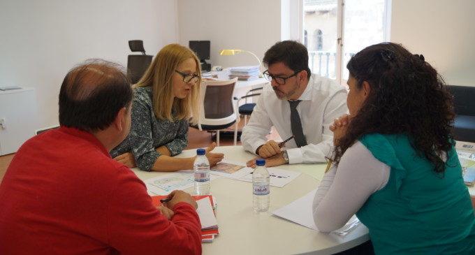Emili Altur es reuneix amb la UNRWA per a afermar el seu suport als projectes amb refugiats