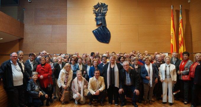 Un centenar de veïns de Riba-roja de Túria i Rafelcofer visiten la Diputació de València
