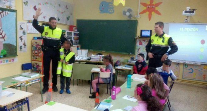 La Policia Local d'Alboraia educa en matèria viària als veïns més xicotets