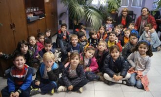 L'alumnat de 5 anys del CEIP Mare de Déu de Vallivana visita l'Ajuntament