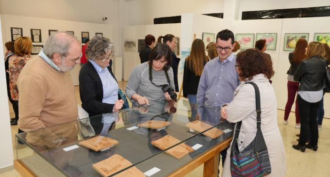 Estudiants del col·legi D. José Lluch d'Alboraia inauguren una exposició artística