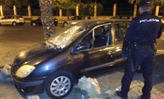 """Detenido """"in fraganti"""" a un hombre por lanzar piedras y ocasionar daños en varios coches"""