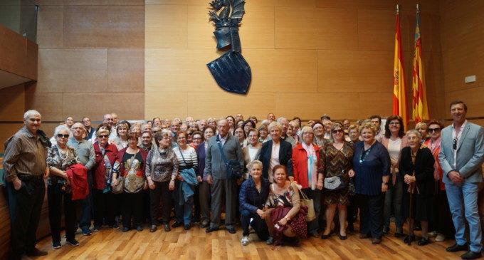Un centenar de veïns de Massanassa i Beniparrell visiten la Diputació de València