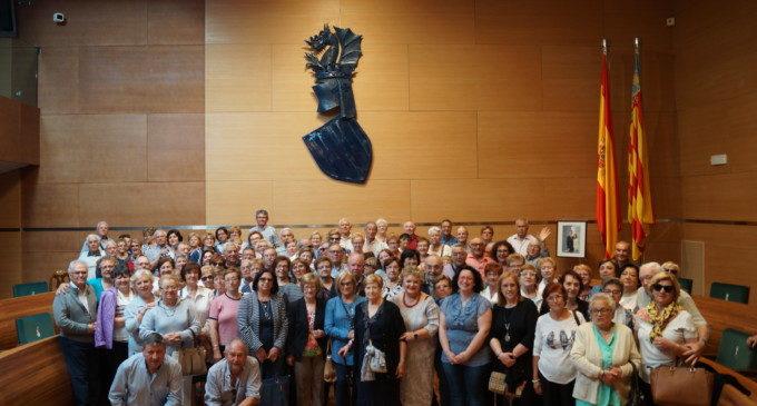 Un centenar de veïns de Barxeta i Genovés visiten la Diputació de València