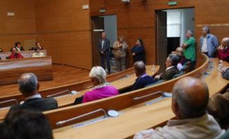 Un centenar de veïns de La Yesa i Loriguilla visiten la Diputació de València