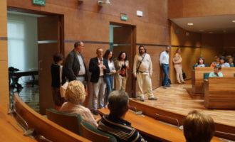 Un centenar de veïns de Higueruelas i Aielo de Malferit visiten la Diputació de València