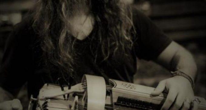 El festival Etnomusic rep al multiinstrumentista i compositor valencià Efrén López