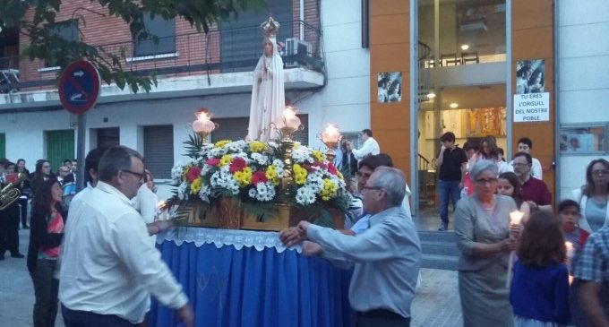 El barri de la Sagrada Família celebra la festivitat de la Verge de Fátima