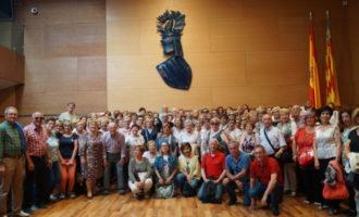 Un centenar de veïns de Llíria i Beniarjó visiten la Diputació de València