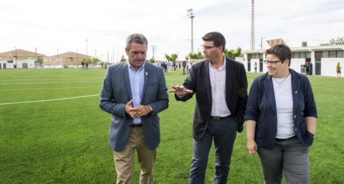 Catadau inaugura el seu camp de futbol amb gespa artificial amb ajuda de la DiputacióCatadau inaugura el seu camp de futbol amb gespa artificial amb ajuda de la Diputació