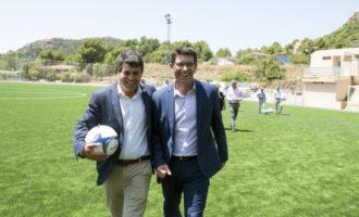 Olocau estrena el camp de futbol de gespa artificial demandat pels seus veïns