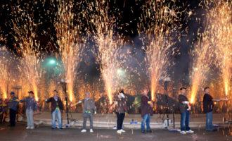 Quart de Poblet crema més de 250 quilos de pólvora en una Passejà espectacular