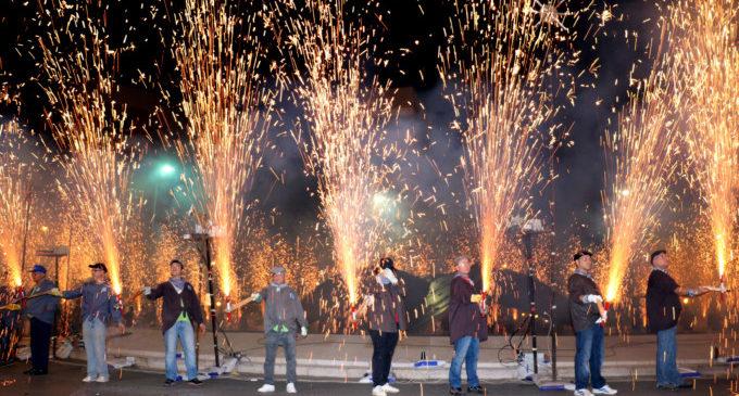 Quart de Poblet quema más de 250 kilos de pólvora en una Passejà espectacular