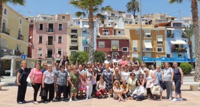 55 dones de Picassent visiten la Vila Joiosa