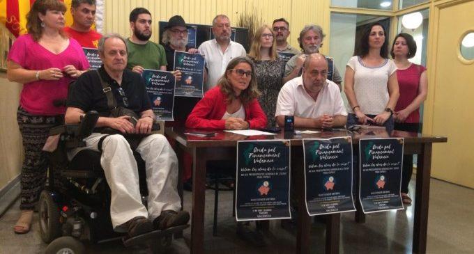 Pau Alabajos, Mireia Vives i Borja Penalba clouran la manifestació de la Crida pel Finançament