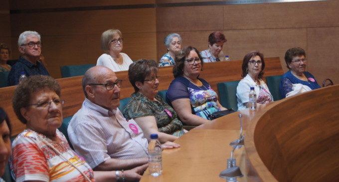 Un centenar de veïns de Montaverner i Silla visiten la Diputació de València