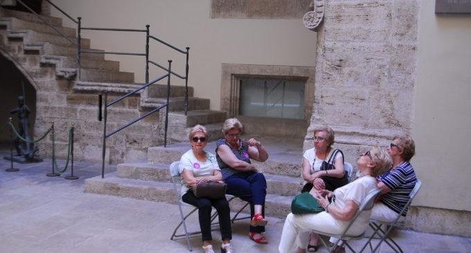 Un centenar de veïns de Llaurí i Antella visiten la Diputació de València