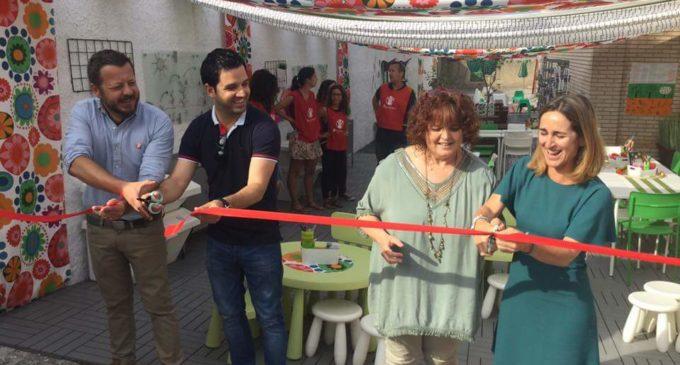 Els alumnes del col·legi Villar Palasí de Paterna estrenen un nou espai d'hort