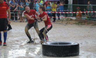 Més de 140 fallers i falleres participen en la II Atronadora Race Fallera de Torrent