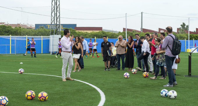 Un campo de césped para potenciar la escuela de fútbol de Bonrepòs i Mirambell