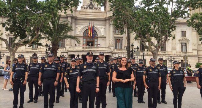 La Policia Local ja treballa amb l'uniforme que han reivindicat