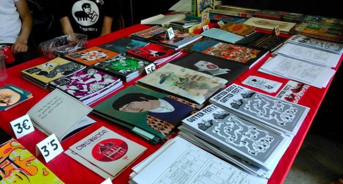 """La crítica cap a la societat a través de """"fanzines"""" d'humor"""