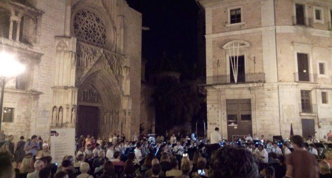 La música de Gayano Women's Band arriba al Passeig Marítim dins del Precertamen del Ciutat de València