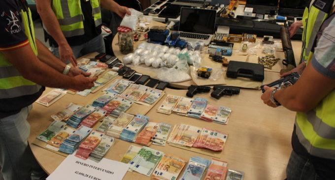 La Policia Nacional deté a un grup dedicat a la distribució de substàncies estupefaents, majoritàriament cocaïna