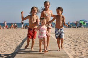 34-nens_platja_llevant