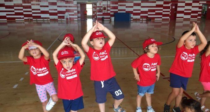 L'Escola d'Estiu d'Alfafar pionera, en la Comarca, amb la tècnica brain gym