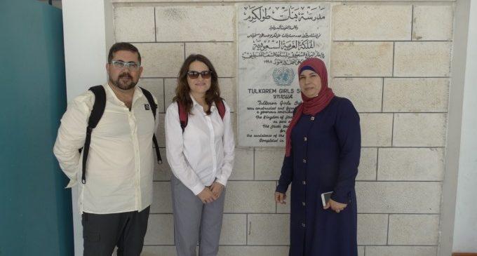 Oltra visita Cisjornadia per a conéixer el treball dels col·lectius d'Orient Mitjà