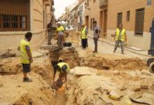 Continuen les obres del carrer de la Penya