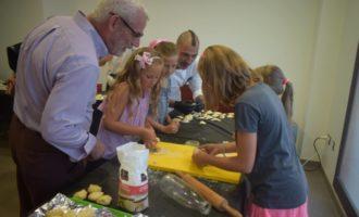 La Fira Solidària de Port Saplaya recapta 2,000 euros