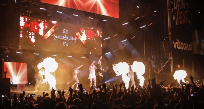 Latin Fest omple la plaça de Bous de València al ritme de Daddy Yankee, Arcangel i Juan Magán