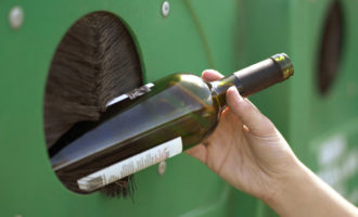Reciclar vidre té premi