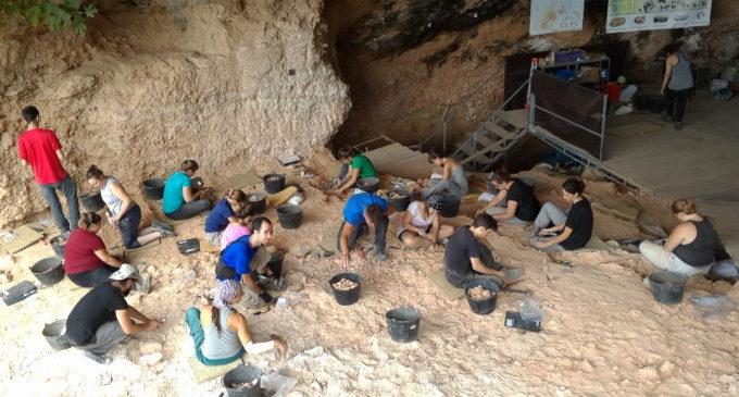 Comença la campanya d'excavacions en La Cova de Bolomor